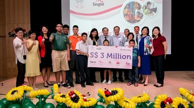 SingTel Touching Lives Fund Cheque Presentation Ceremony 2016